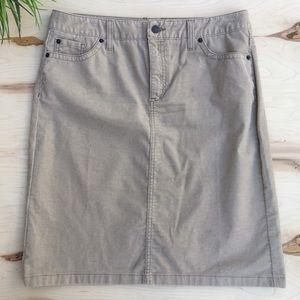 L.L. Bean woman's midi skirt,slit in back